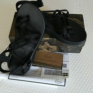 Chacos womens 9 nwt